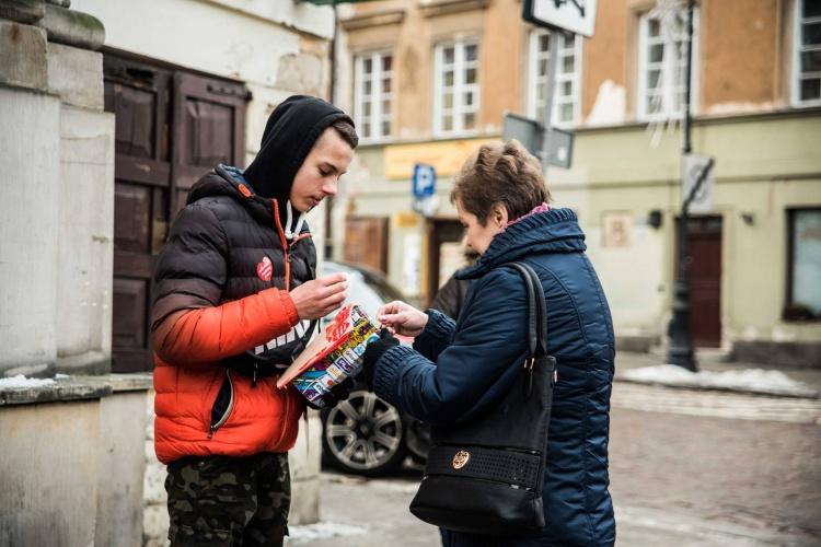 Na ulicach miast i miasteczek wolontariusze kwestują tylko w czasie Finału
