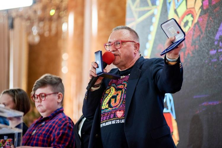 Jurek Owsiak ogłasza wynik 25. Finału WOŚP, fot. Łukasz Widziszowski
