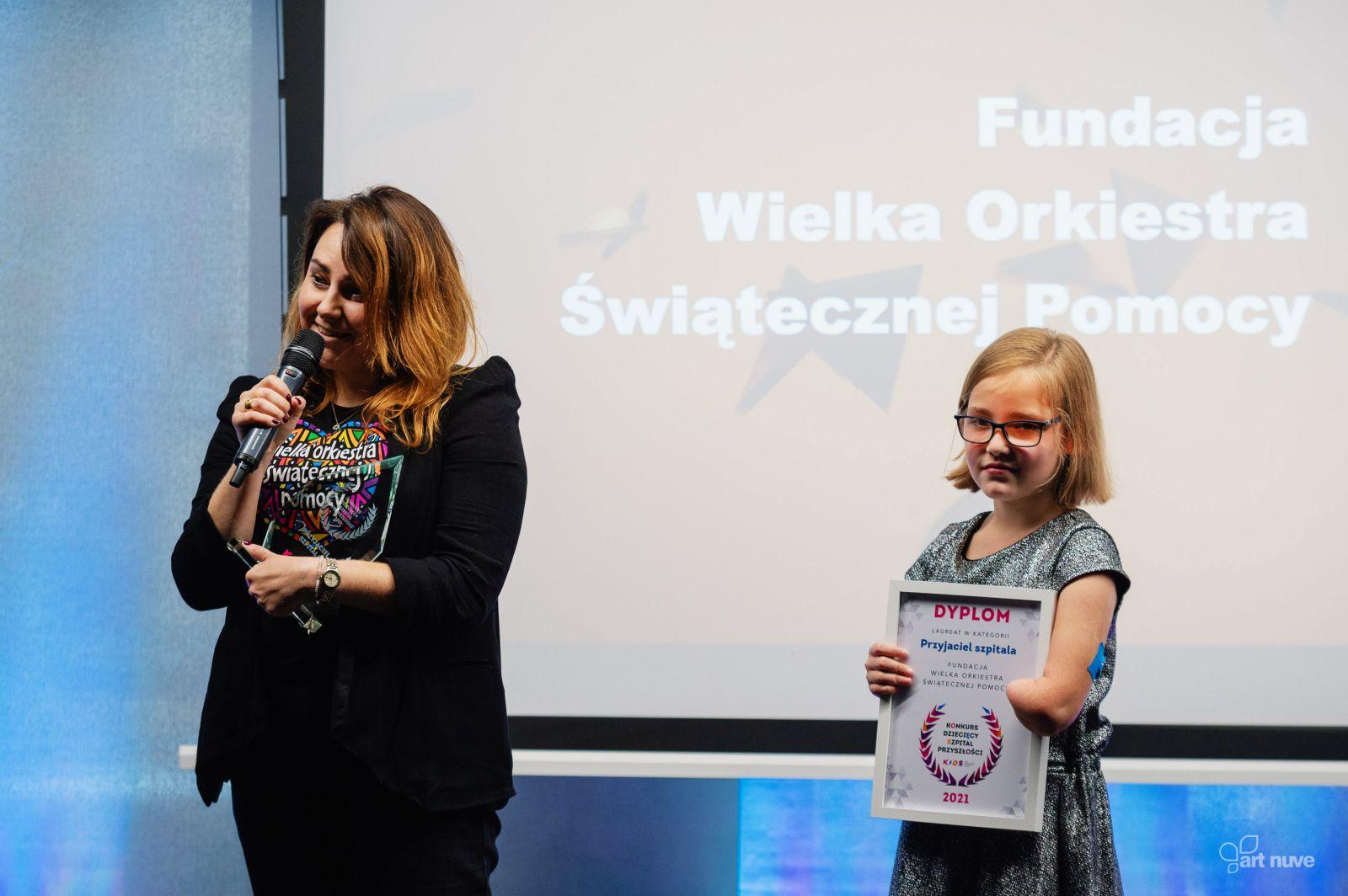 Olga Zawada odbierająca nagrodę podczas gali, fot. Mariusz Majewski