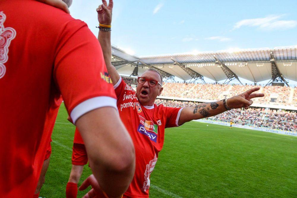 Jurek Owsiak świętuje zdobycie gola. Foto: Grzegorz Adamek.