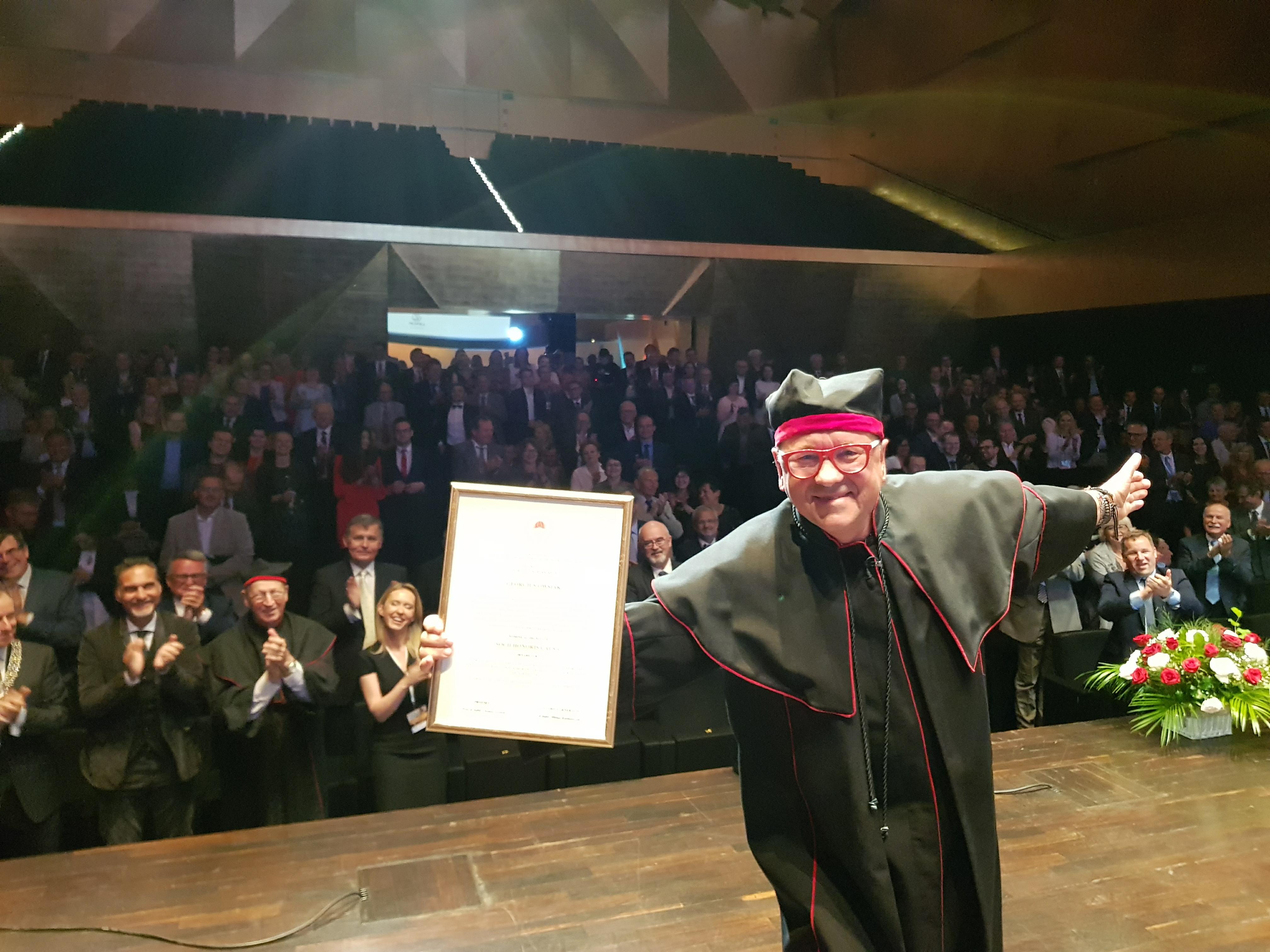 Jurek Owsiak nagrodzony  podczas IX Kongresu Polskiego Towarzystwa Kardio-Torakochirurgów,