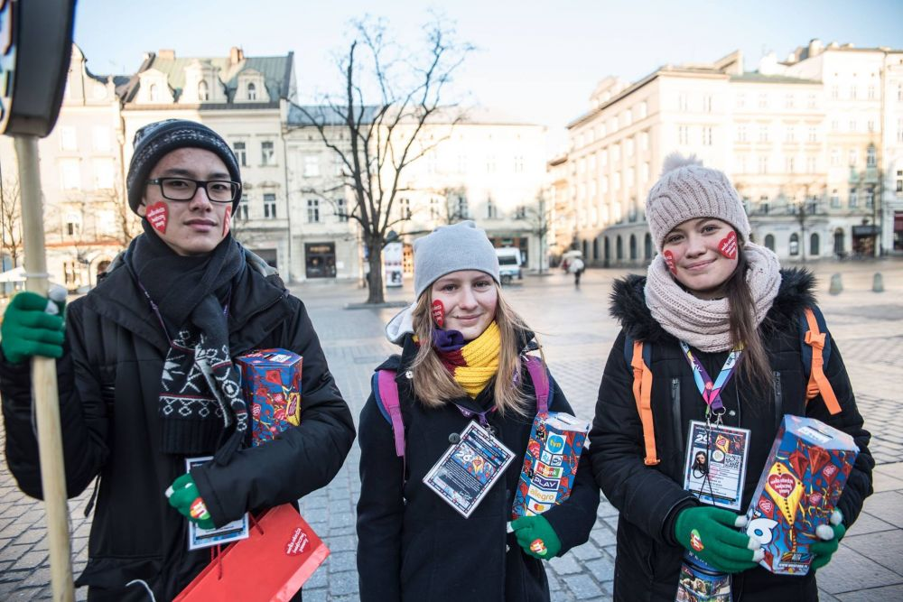 Volunteers fundraising in Poland. By D. Malik