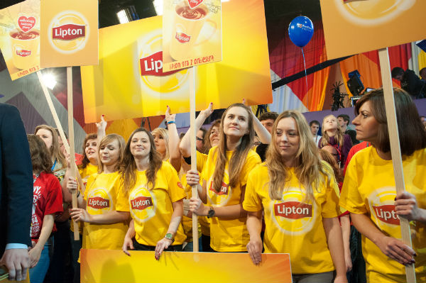 Zespół marki Lipton podczas 24. Finale WOŚP