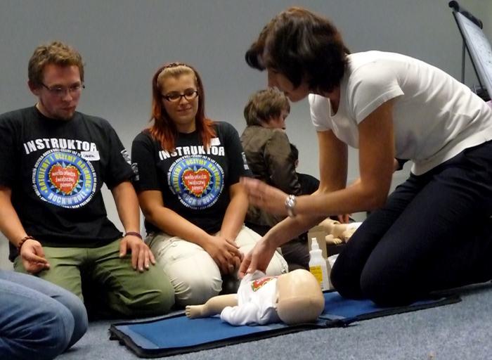 Uczymy jak ratować życie