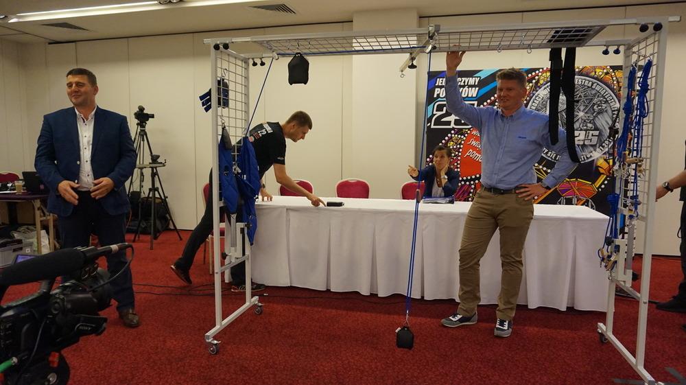 przyłóżkowe urządzenia rehabilitacyjne (PUR) – 15 sztuk -wygrała oferta firmy Akson
