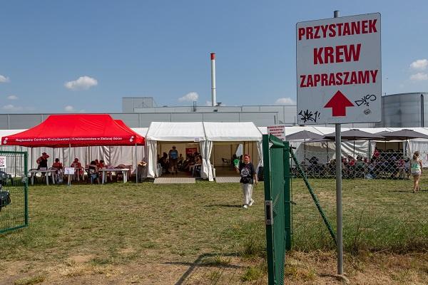 Punkt krwiodawstwa na Pol'and'Rock Festival fot. Michał Kwaśniewski