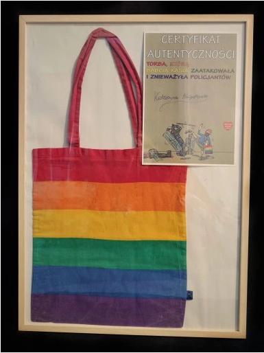 Tęczowa torba Babci Kasi (kliknij na zdjęcie, żeby przejść do aukcji)